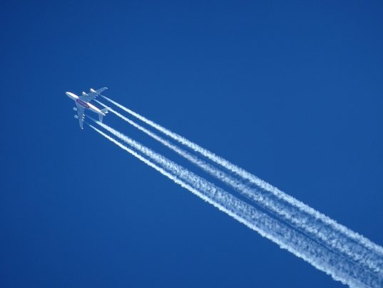 shocking video shows massive vapor trail from commercial aircraft over russia chemtrails